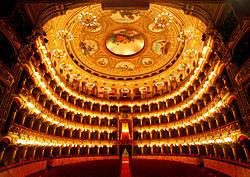 Catania-teatro-bellini-interno.jpg